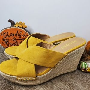 REPORT SIZE 8 YELLOW WEDGES FALL🍁🍂 SHOES HEELS